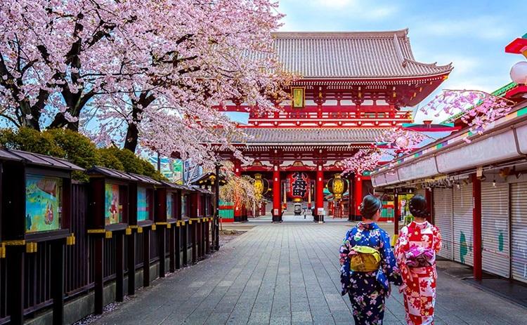 ChùaSenso-ji ngôi đền thờ nổi tiếng thiêng liêng