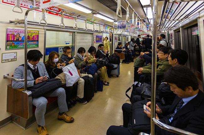 văn hóa đi tàu điện ngầm